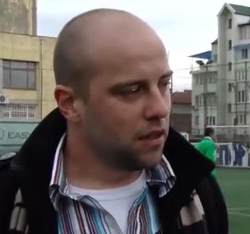 Цыганские и болгарские дети выходят плечом к плечу на футбольное поле в клубе «Конкордия»