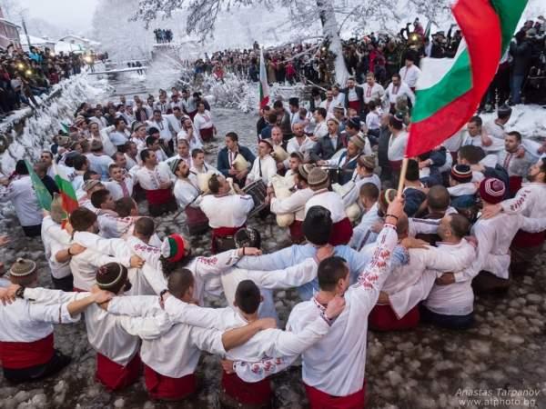 14 болгарских фотографов представят древние обычаи Болгарии в Москве
