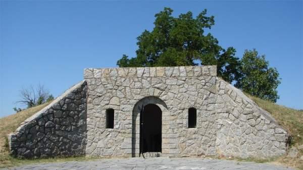 Виртуальный гид разводит туристов по Археологическому музею Хисаря