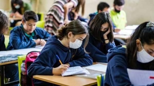 Новая программа будет финансировать школы в ситуации пандемии